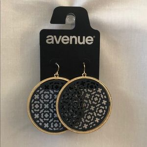 New Gold Toned Medallion Filigree Drop Earrings